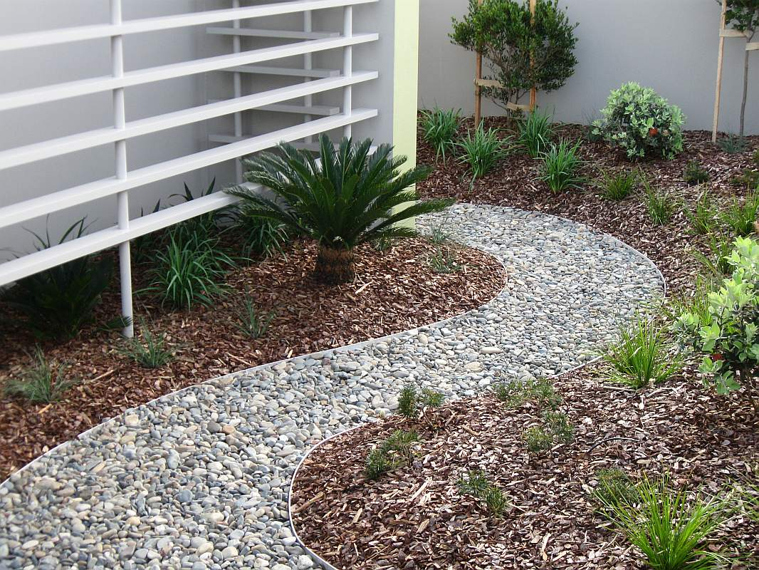 landscaping design and construction by bizscapes
